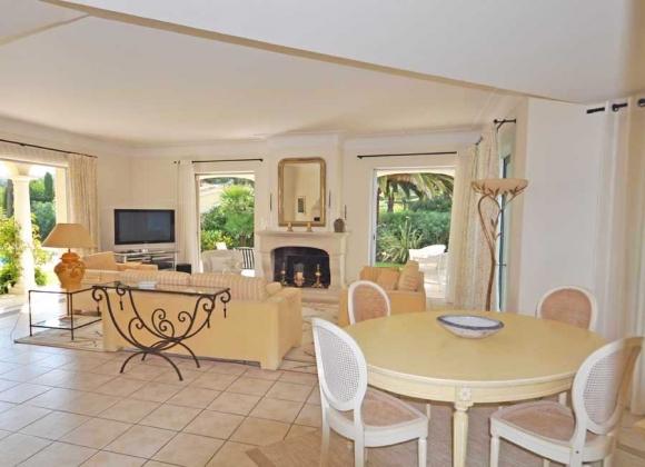 Villa Sunrise in Saint Tropez - Living Room