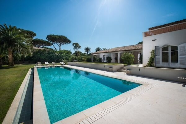 top-5-gated-villas-villa-kalliste