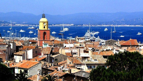 For a truly memorable Christmas why not rent a St Tropez villa?