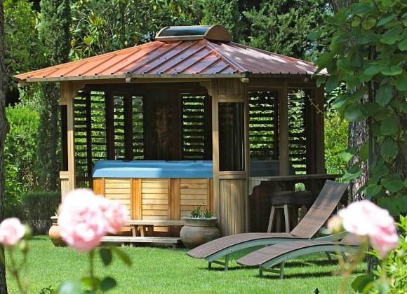 Best Luxury Villas for Your Romantic Stay in St Tropez