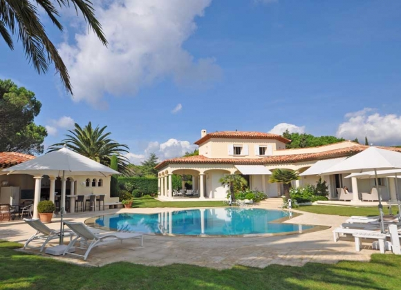 Villas of the Month – October 2014