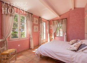let villa saint tropez domaine de la castellane bedroom