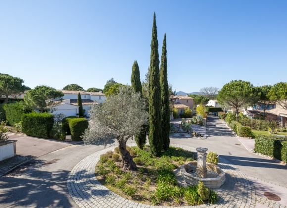 rent villa saint tropez domaine de la castellane gated community