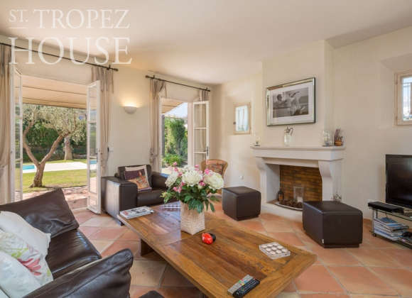 rent villa saint tropez domaine de la castellane living room