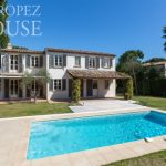 rent villa saint tropez domaine de la castellane property backyard