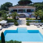 Best gated domains in St tropez. Luxury villa with pool and sunbeds