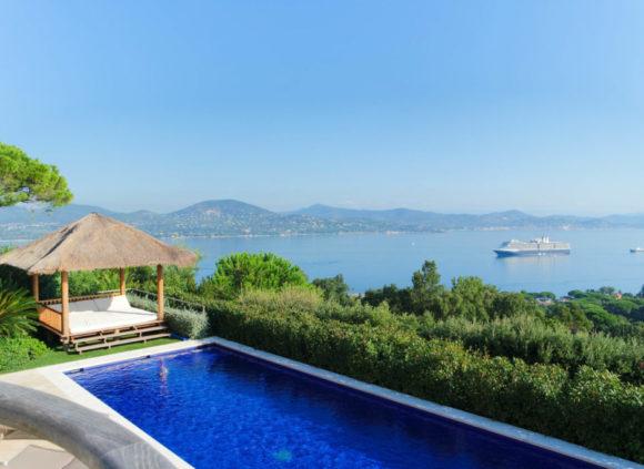 rent a villa in st tropez big garden vs private domain